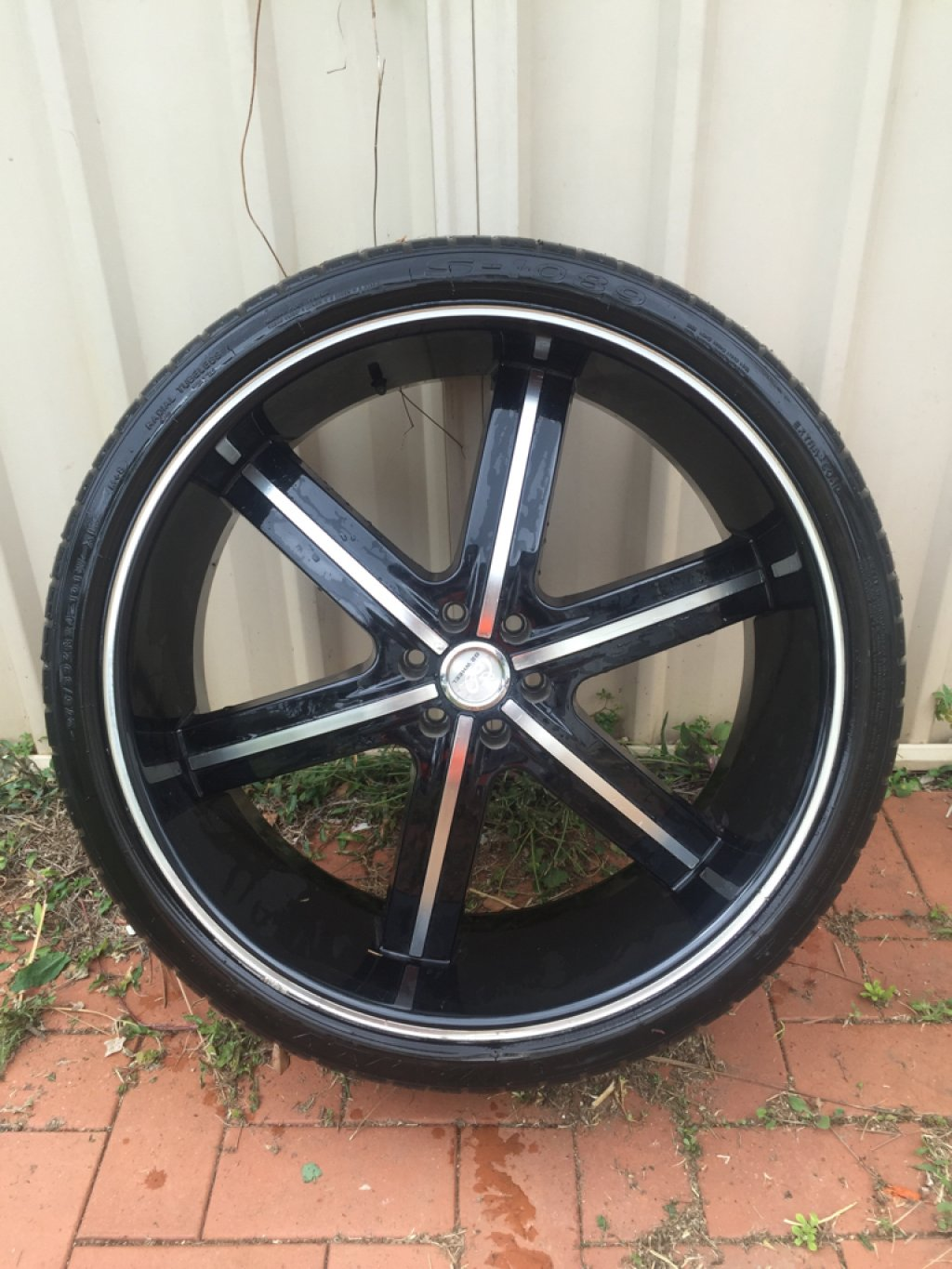 24 INCH Rims and Tyres SUIT Navara D40