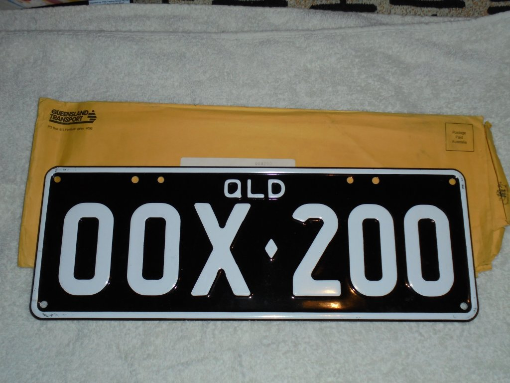 00X-002 New QLD Black & White Legal Number Plates