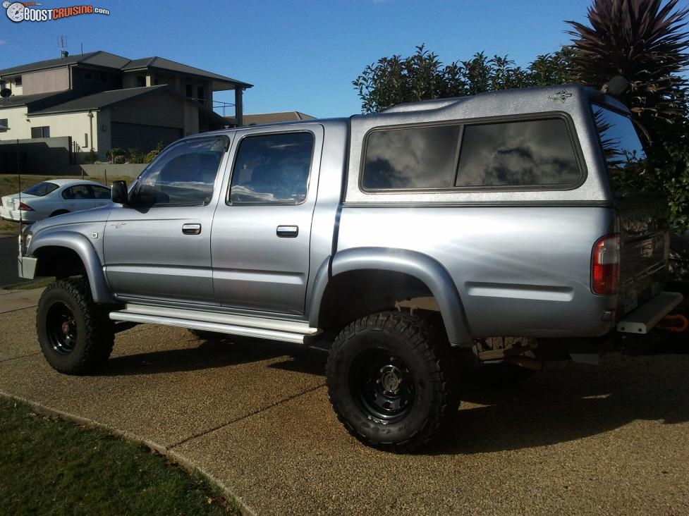 2001 toyota hilux sr5 4x4 rzn169r boostcruising. Black Bedroom Furniture Sets. Home Design Ideas