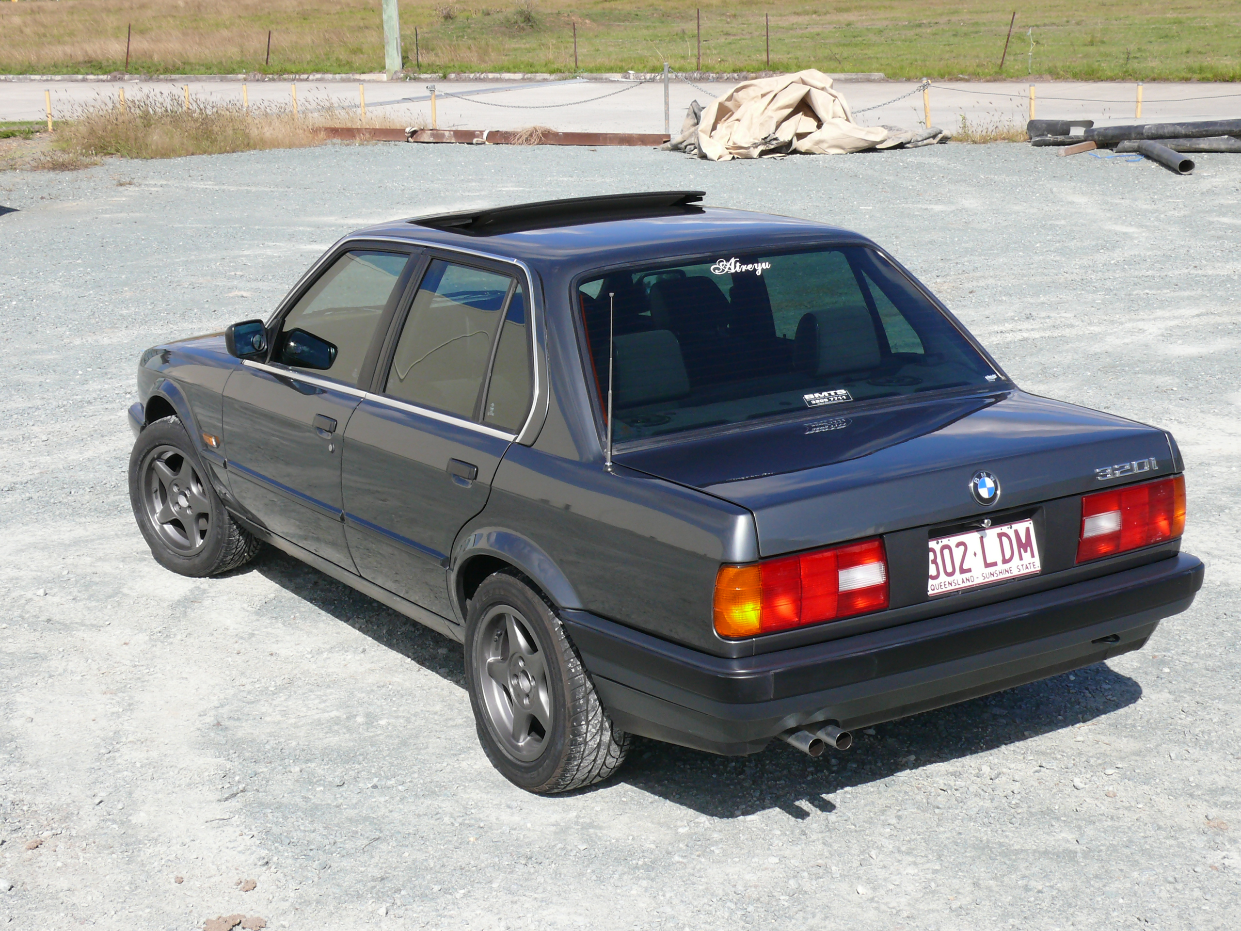 1988 bmw 320i touring automatic e30 related infomation specifications weili automotive network. Black Bedroom Furniture Sets. Home Design Ideas